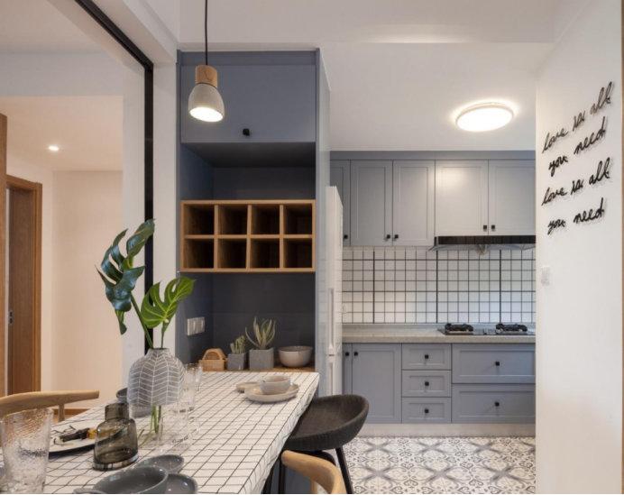 厨房门的款式有很多,开放式厨房要选什么样的?