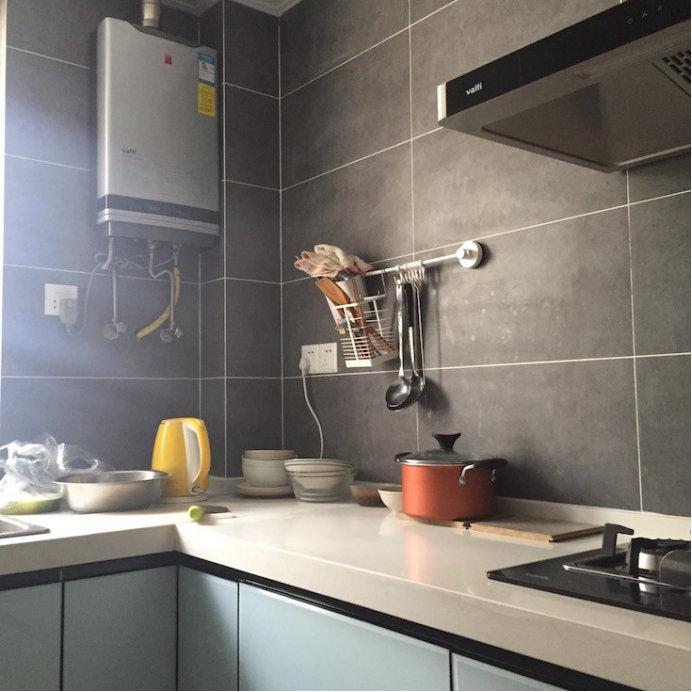 厨房装修不贴瓷砖用什么,用这些实用性和效果都很好的材料啊