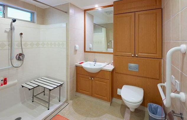 卫生间装修注意这些,让老人更安全
