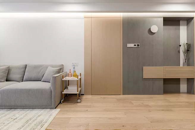卫生间对玄关怎么办?让卫生间门来美化墙面,这样有点酷有点美