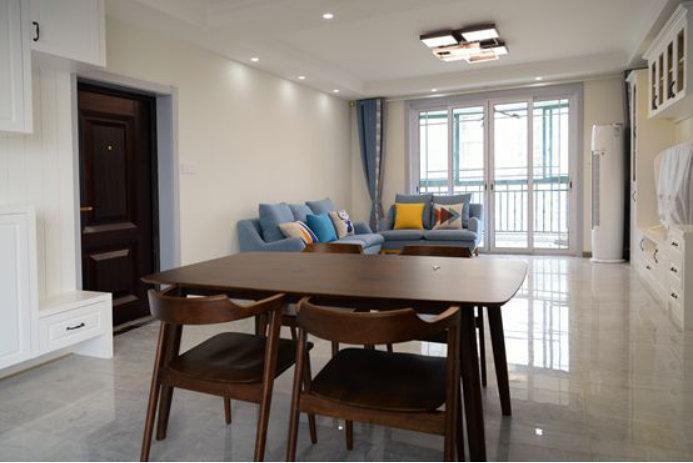 南京明发滨江新城装修案例,126平三室一厅,诠释宅的包容与自由