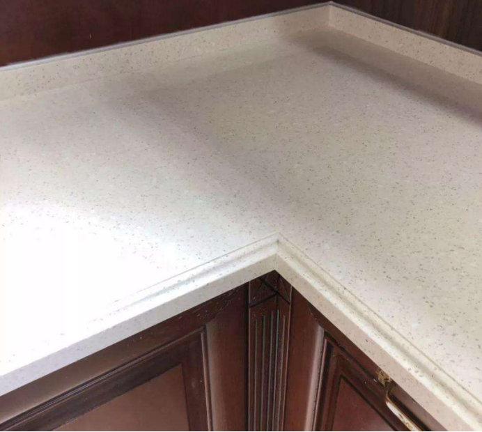 厨房橱柜装修,橱柜台面用什么材质合适?不同材质有什么特点?
